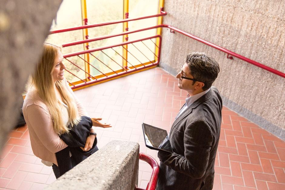 Auf der Suche: Michelle interessiert sich für International Management und Sprachen