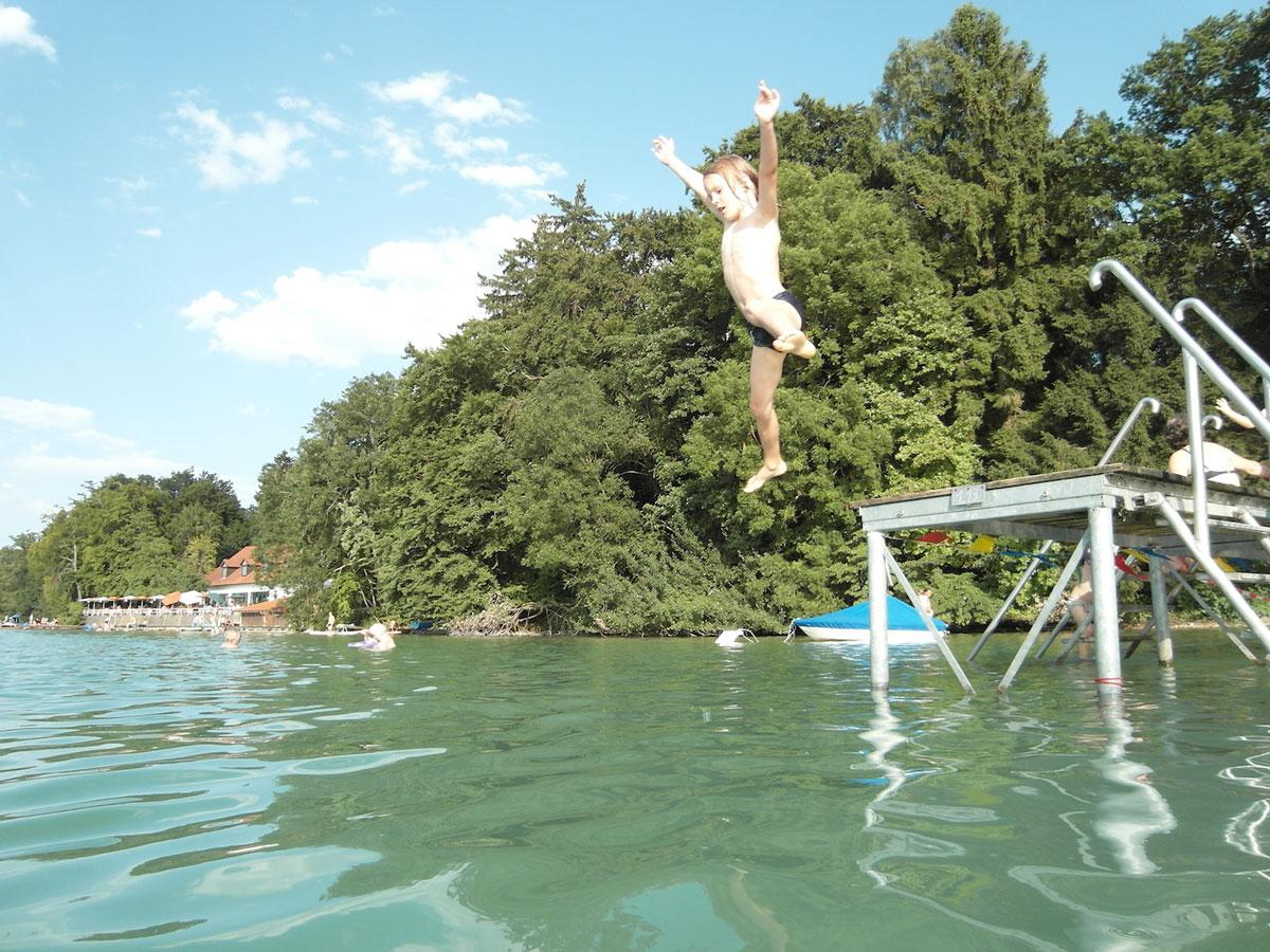 2015-16_Schwimmen-kachel