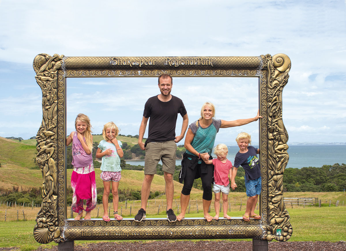 Weltreise mit Kindern / Magazin SCHULE / sechspaarschuhe.de