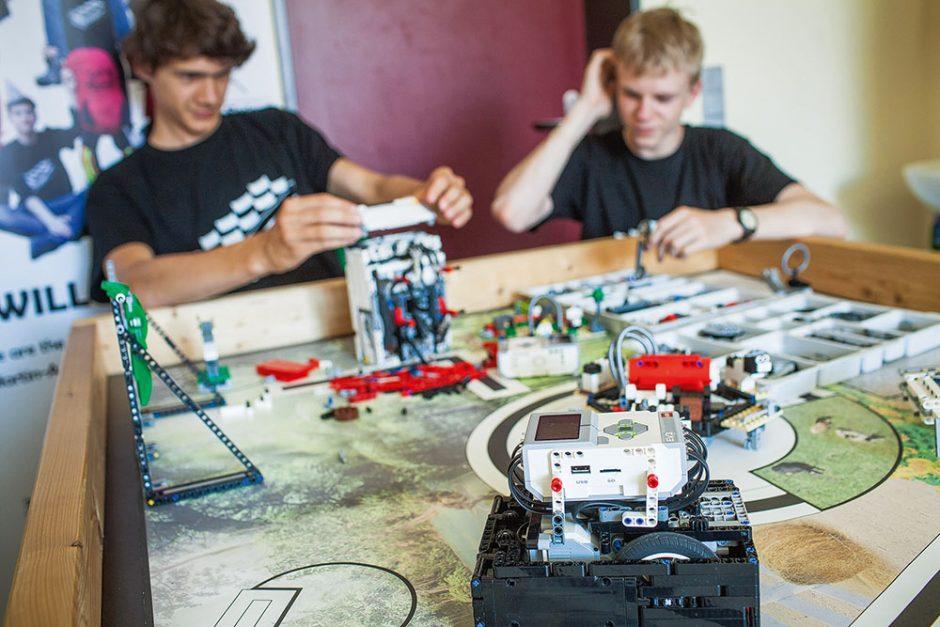 Robotik-Unterricht – Konstrukteure – Magazin SCHULE ONLINE