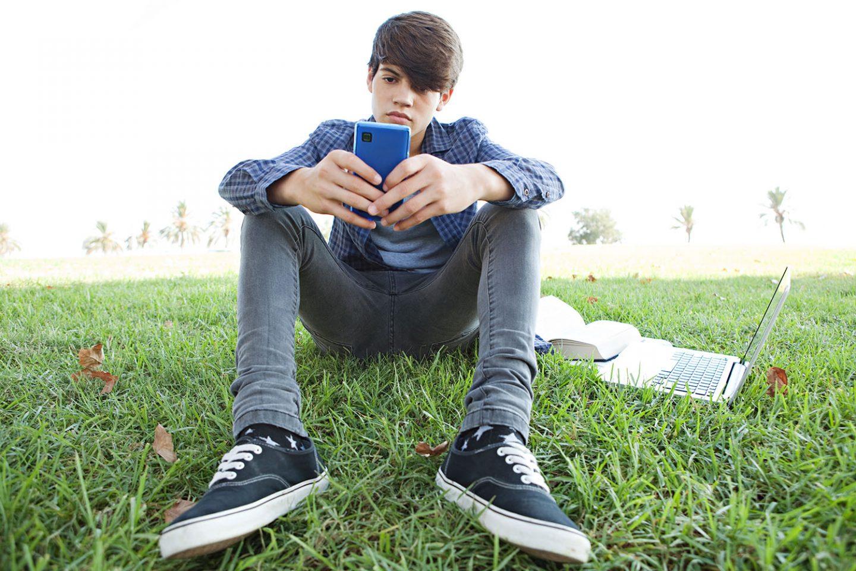 Nicht ohne mein Handy – Magazin SCHULE ONLINE
